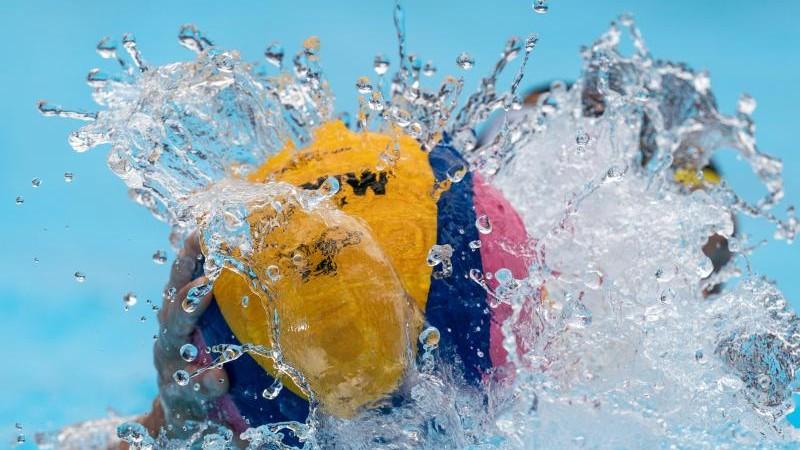 Wasserballer siegen und haben weiter Olympia-Chancen