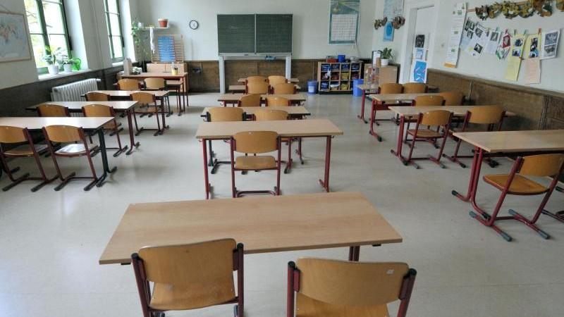 Mehr Lehrer und Laptops lassen Kritiker nicht verstummen
