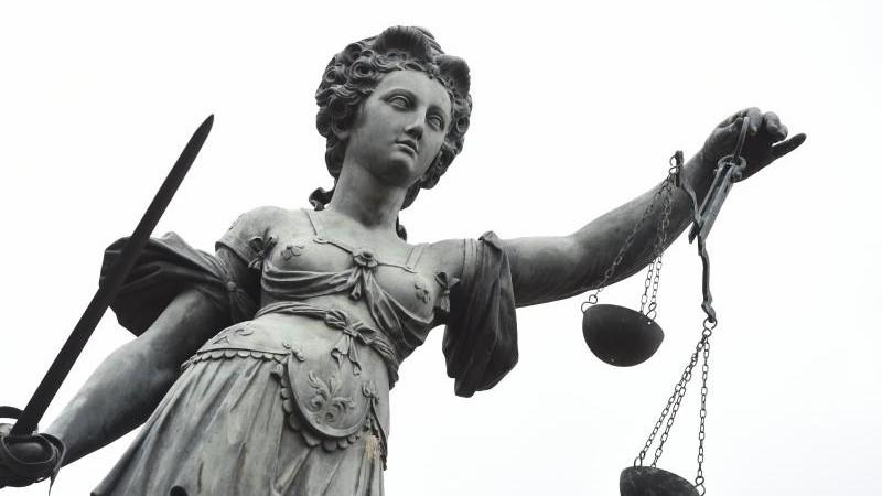Verfassungsgerichtsdebatte zu Rente geschiedener Frauen