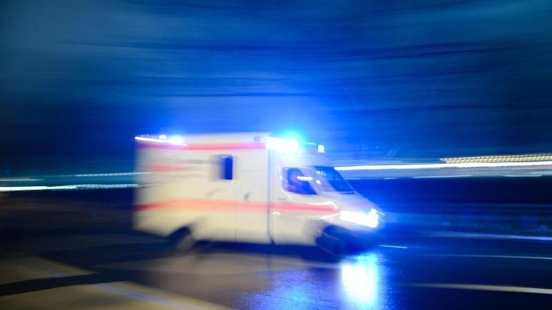Senior von Auto erfasst und schwer verletzt