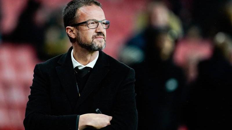 Frankfurt erwägt, Defensiv-Mittelfeldspieler zu verpflichten