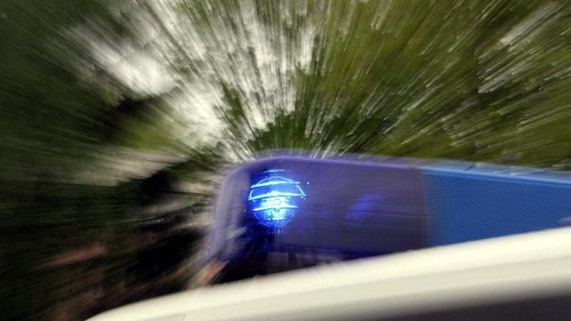 Glatte Straßen: Erste Unfälle in Schleswig-Holstein