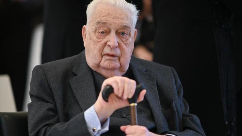 Carl Herzog von Württemberg übergibt Tagesgeschäfte
