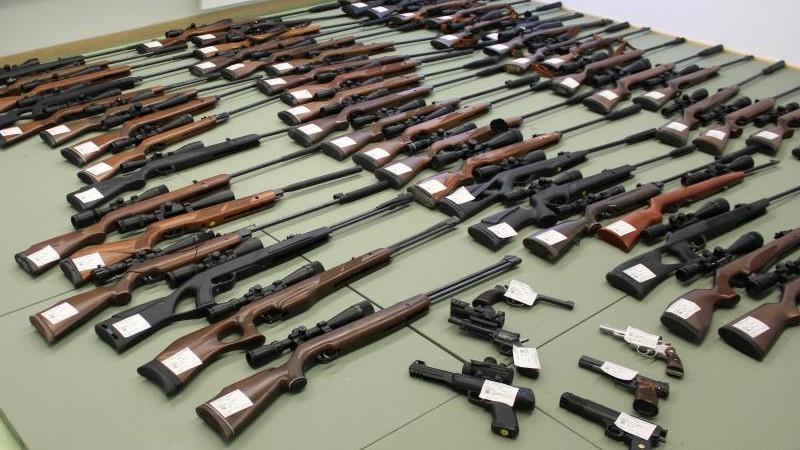 Oberfranke hortet 16 000 Schuss Munition und Waffen