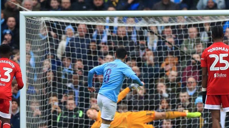Manchester City fertigt dezimierten FC Fulham im Pokal ab