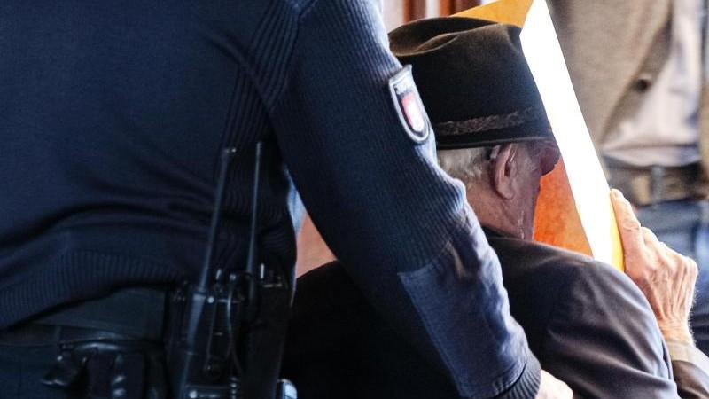 """KZ-Überlebender: """"Habe mich unsichtbar gemacht"""""""