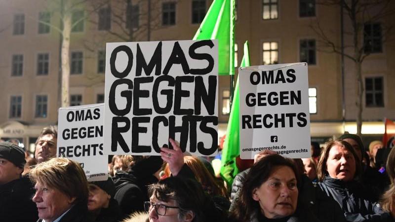 Lautstarker Protest gegen Höcke und Pegida in Dresden
