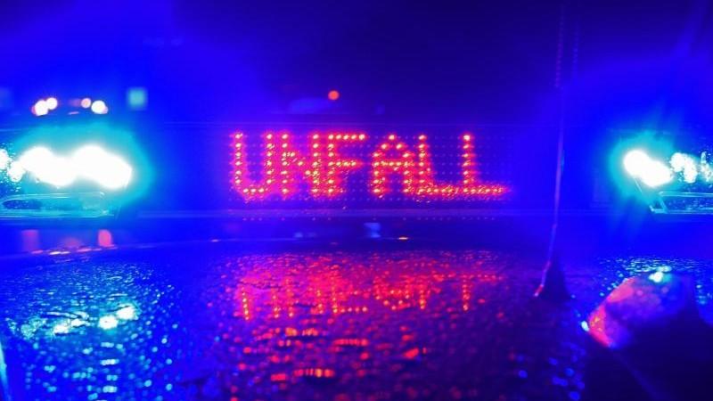 Lkw-Fahrer bei Unfall auf A7 tödlich verletzt