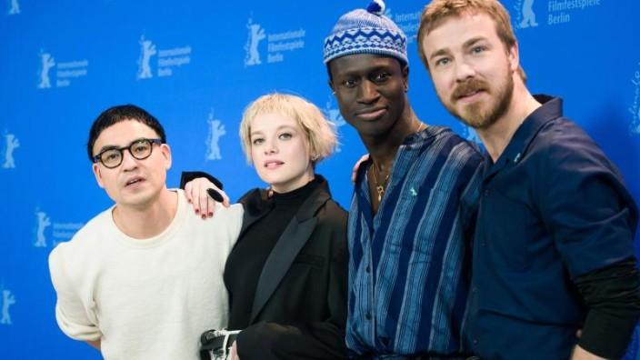 """Berlinale 2020: """"Berlin Alexanderplatz"""" und Petzolds """"Undine"""" im ..."""