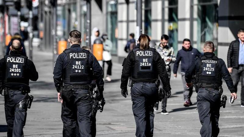 Polizeikontrollen: Mehr als 800 Mal Schließung angeordnet