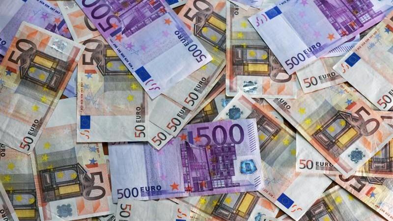Arbeitnehmer bekommen im Schnitt 1100 Euro brutto mehr