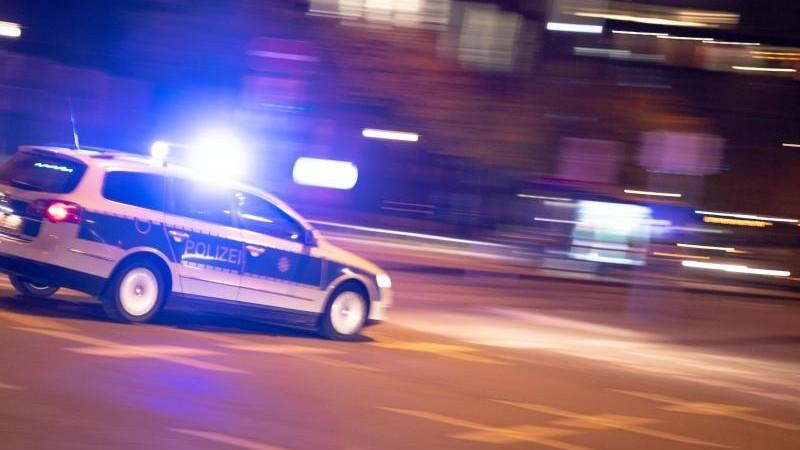 Drogen und kein Führerschein: Autofahrer flieht