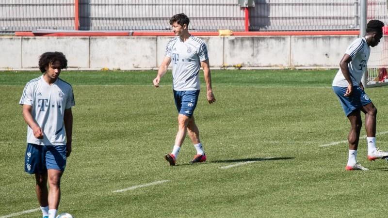 Bayern-Profis wieder im Training - Lewandowski dabei
