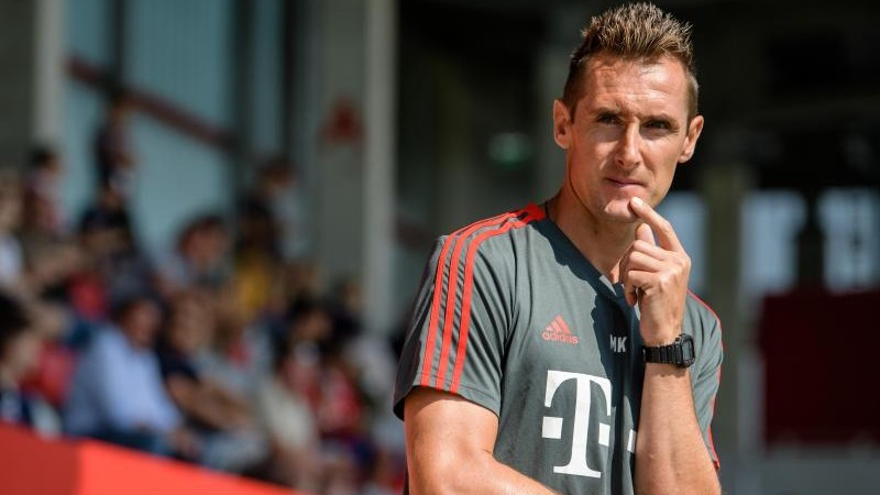Klose macht Lehrgang zum Fußball-Lehrer