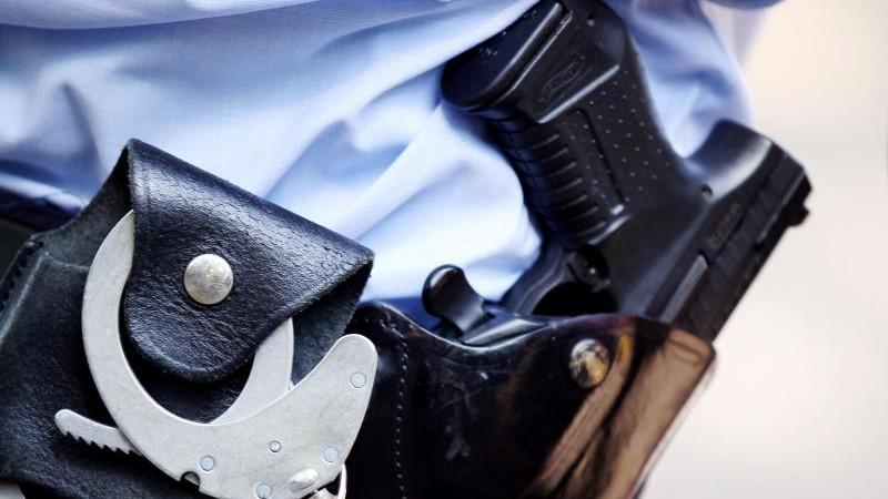 Polizei hilft ausgesperrtem Mann und findet Rauschgift