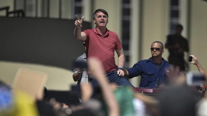 Regierungsanhänger in Brasilien fordern Militärintervention - Thema des Tages