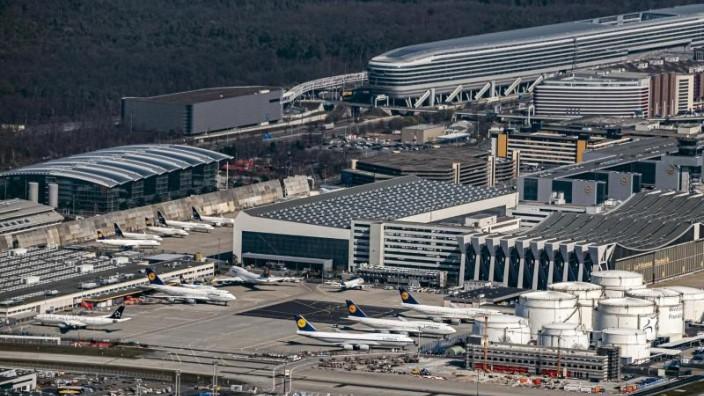 Luftverkehr Frankfurt Am Main Fluggastzahlen Am Frankfurter Flughafen Bleiben Niedrig Wirtschaft Sz De