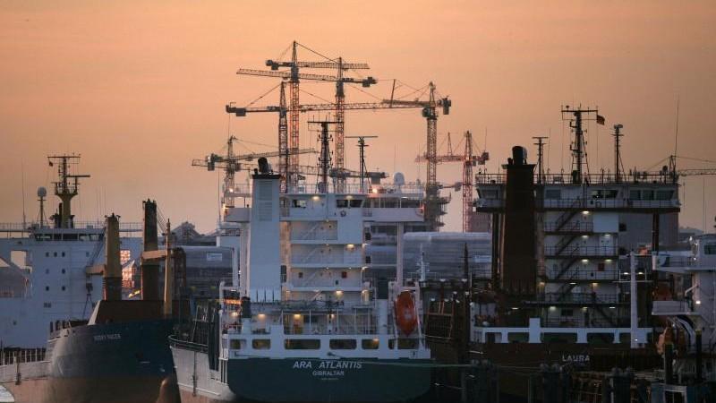 Schiffe wegen Corona außer Betrieb: Warnung vor Risiken