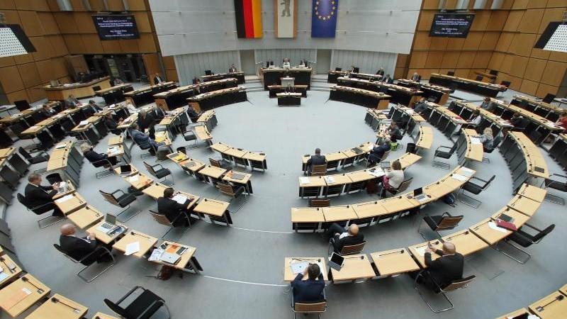 Kritik an Berlins Antidiskriminierungsgesetz reißt nicht ab