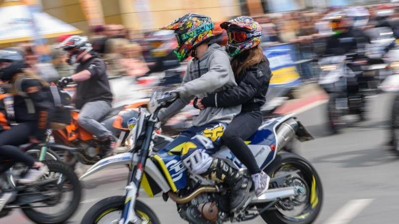 Verkehrsclub: Motorradsternfahrt ist Demo für Verkehrslärm