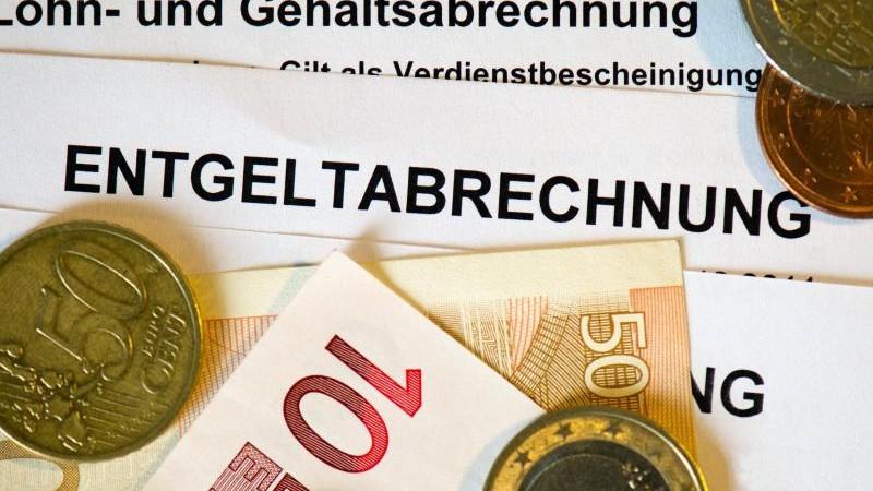 Gehälter in den alten Bundesländern 699 Euro höher als in den neuen