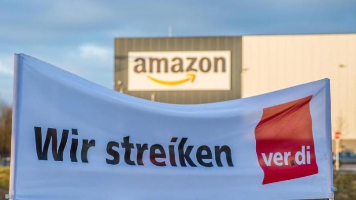 Streiks Prime Days Amazon Beschaftigte Legen Arbeit Nieder Karriere Sz De