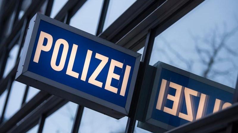 18-Jähriger bedroht Polizisten