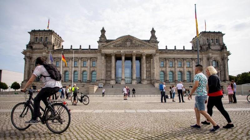 Demonstration vor Reichstag: Polizei will härter vorgehen