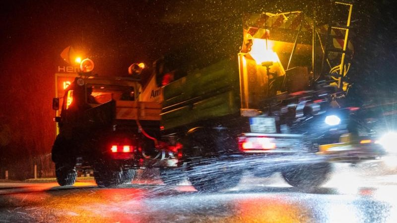 Schnee und glatte Straßen in Niedersachsen