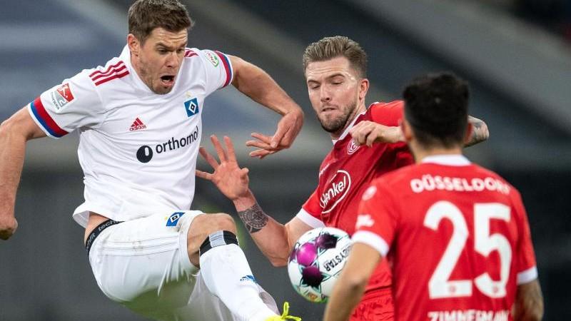 HSV bleibt nach Remis in Düsseldorf auf Kurs