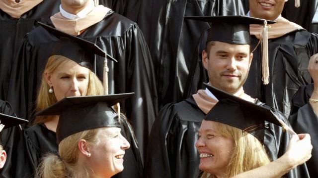 Regierung beschliesst Einfuehrung von Studiengebuehren