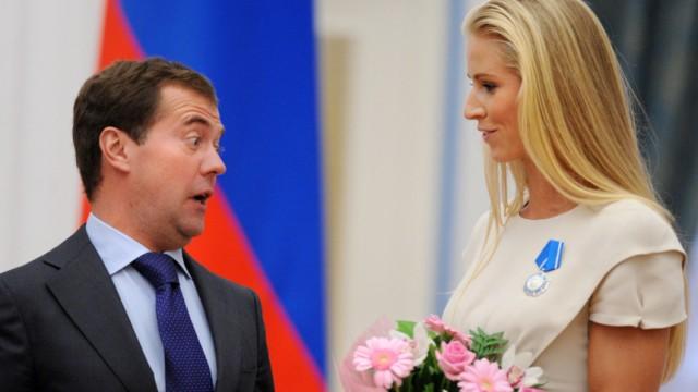 RUSSIA-SPORT-AWARDS-MEDVEDEV-DEMENTYEVA