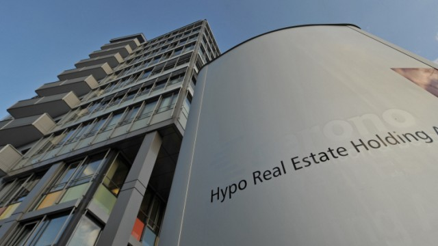 HRE bestätigt Millionen-Zahlung an Mitarbeiter