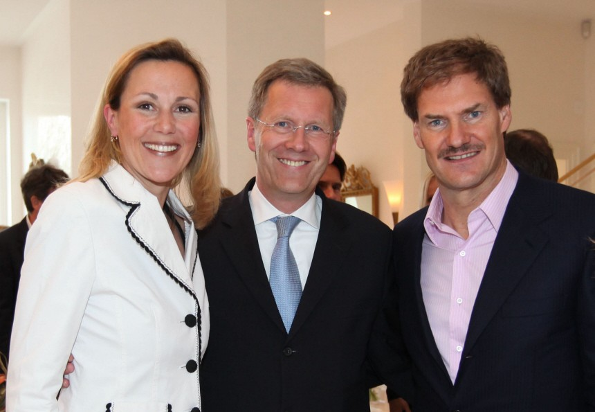 Ehepaar Wulff, Unternehmer Maschmeyer (r) im Jahre 2009