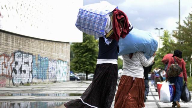 Berliner Roma-Gruppe aus Spandauer Fluechtlingsheim ausgezogen