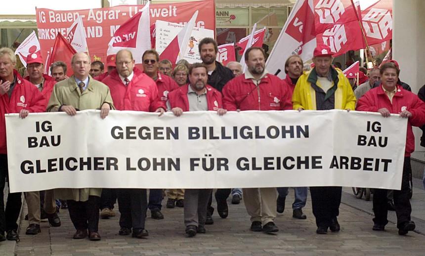 Bauarbeiter protestieren gegen Billiglöhne