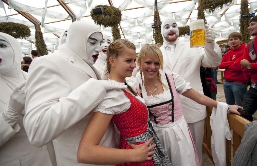 Performance-Gruppe Voca People auf dem Oktoberfest