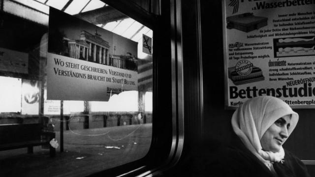 Muslima in einer Berliner S-Bahn Foto: Regina Schmeken