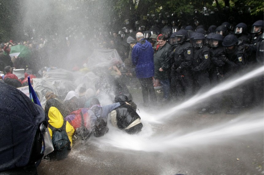 'Stuttgart 21'-Gegner: Hunderte Verletzte durch Polizeieinsatz