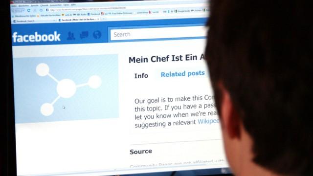 Statusmeldungen bei Facebook &Co: Chef liest mit