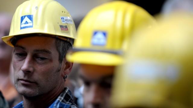 Hochtief Mitarbeiter protestieren gegen ACS-Uebernahmeplaene