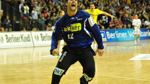 Handball: Füchse Berlin: Verwunderung überall, auch bei Nationaltorhüter Silvio Heinevetter: Die Füchse Berlin sind Tabellenführer in der Handball-Bundesliga.
