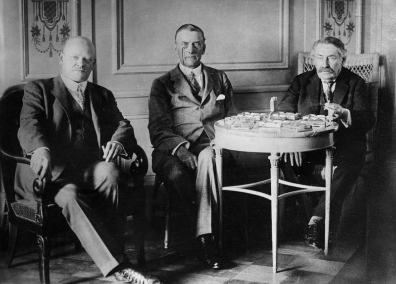 Locarno: Dr. Gustav Stresemann, Sir Austen Joseph Chamberlain, Aristide Briand