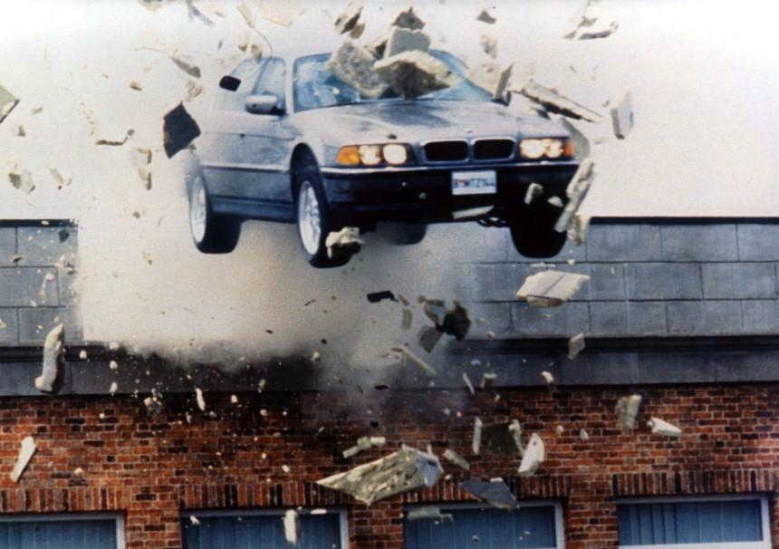 BMW 750iL in James Bond: Der Morgen stirbt nie.