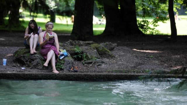 Eisbach im Englischen Garten, 2010