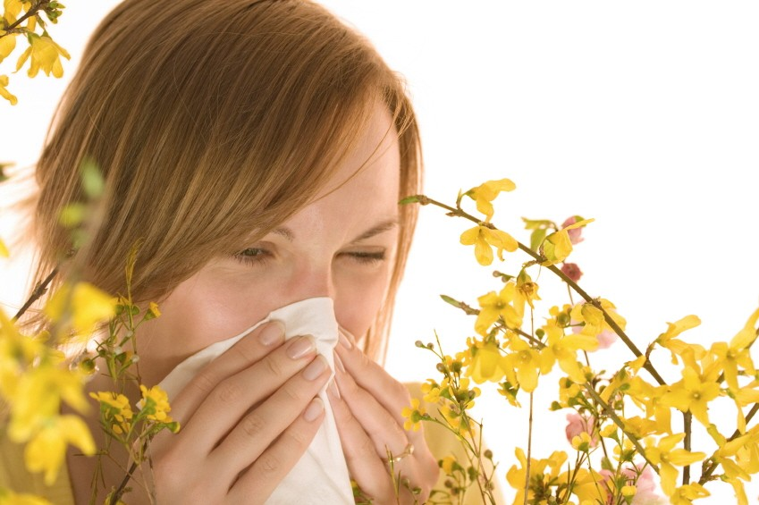 niesende Frau Allergie