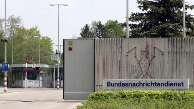 BND feiert Richtfest fuer Berliner Zentrale - technische Dienste verbleiben in Pullach