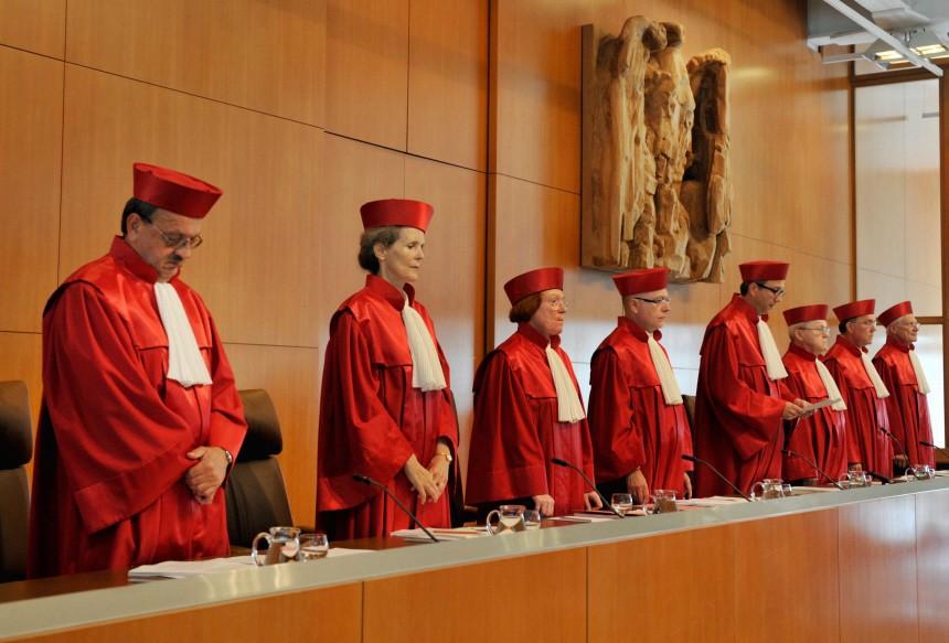 Kinderdienst: Richter machen Auflagen fuer wichtigen Vertrag fuer Europa