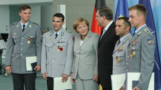 Merkel Honours German Soldiers