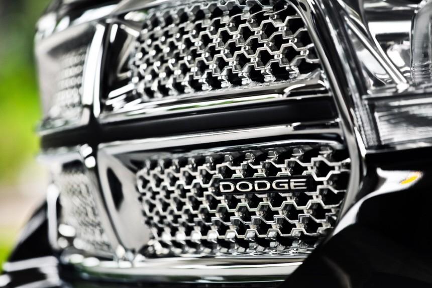 Dodge stößt sich die Hörner ab